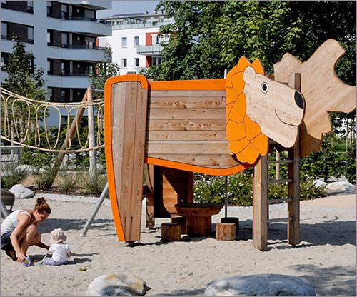 Spielplatz, Spielhaus für Kleinkinder