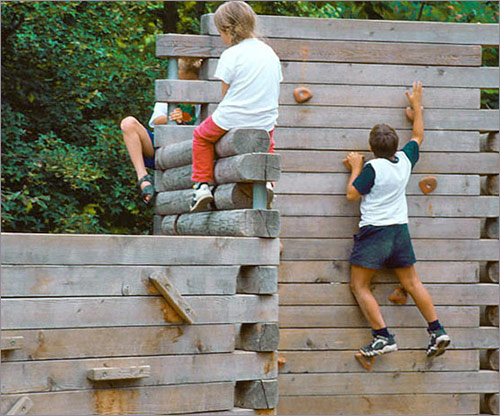 Spielplatzgeräte, Kletterwand