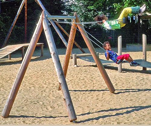 Spielplatzgeräte, Schaukel
